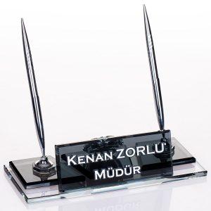 Ofis Hediyesi Kristal Masa İsimlik Gümüş Renk Kalemli Yönetici Masa İsimliği
