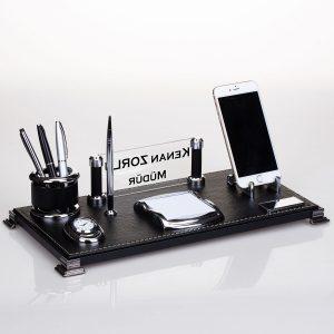 Yeni İşyeri Hediyesi Masa İsimliği En Güzel Ofis Hediyesi Masa Üstü İsimlik Seti