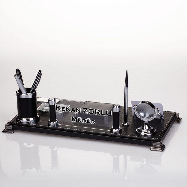 Siyah deri masa isimliği hediye masa isimlik saatli ve kalemlikli masa isimliği