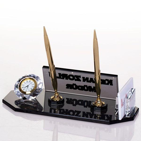 Kristal masa isimliği saatli ve kalemli hediye ofis masa üstü isimlik